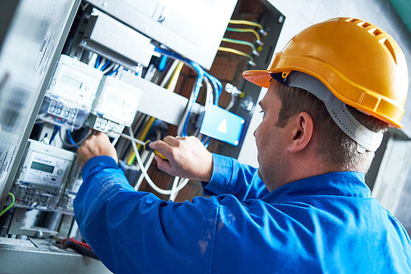Become An Electrician in Crewe Cheshire