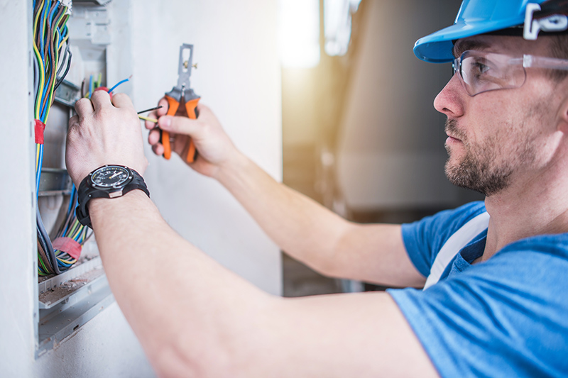 Electrician Qualifications in Crewe Cheshire