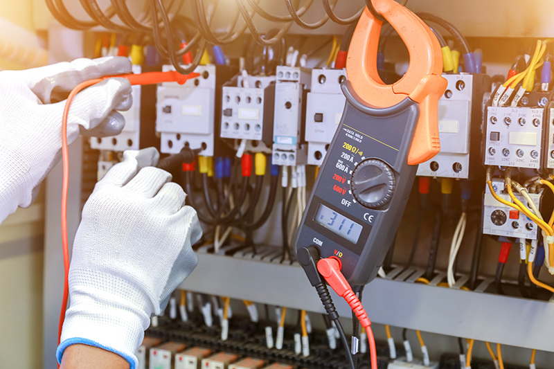 How To Become An Electrician in Crewe Cheshire